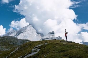 Urdhva Hastasana in the mountains